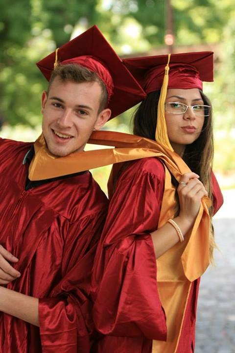Roba absolvire liceu